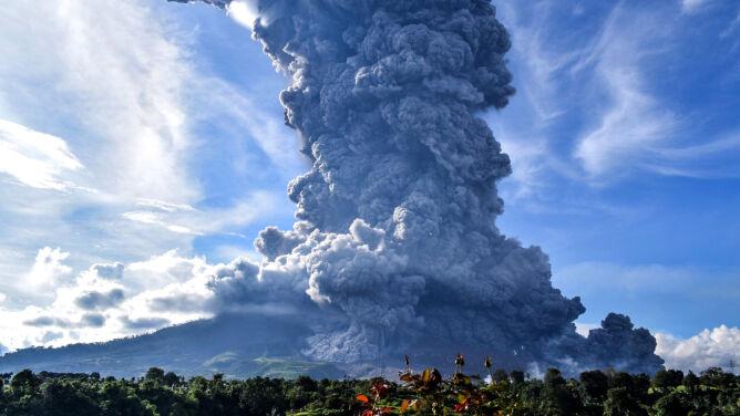 Czerwony alert na Sumatrze. <br />Możliwe są kolejne erupcje wulkanu