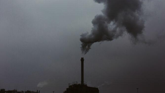 Fatalna i zła jakość powietrza w kilku miastach