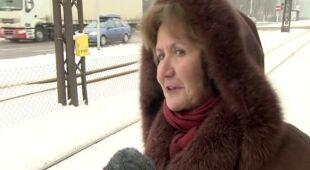 Łódź sparaliżowana przez sobotnie opady śniegu (TVN24)
